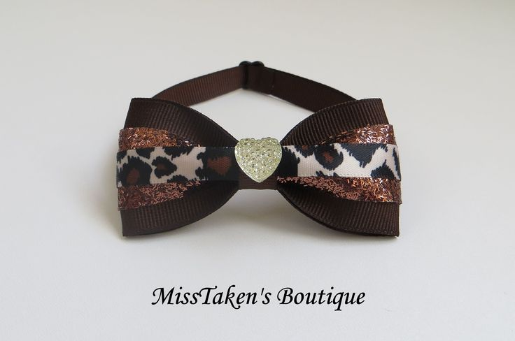 "Brown Heart Pet Bow Tie    Adjustable Neck Size: 7.5-13"" (19-33cm)   Bow: 8cm x 4cm   Collar: 1cm Grosgrain Ribbon   Plastic Hook"