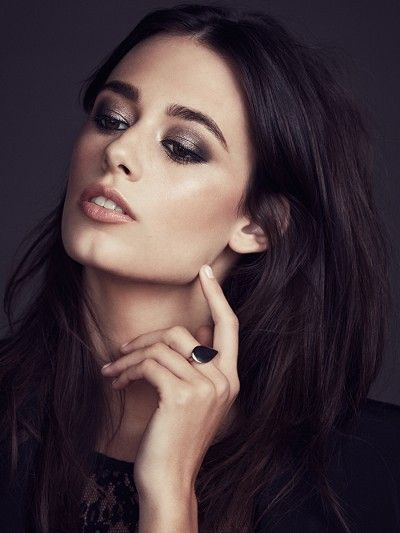 Book your next makeup consultation at www.lookbooker.com.sg and learn the perfect smokey eye today!