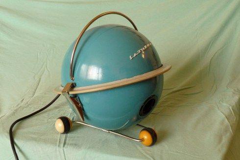 """""""Saturnas"""" vacuum cleaner, Russia, 1950s Изображение"""