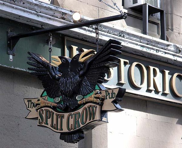 One of the oldest pubs still in existence in Canada the Split Crow originally opened 1749 and is still going strong! #Halifax NS. Check out the rest our list of historic pubs of #Canada.