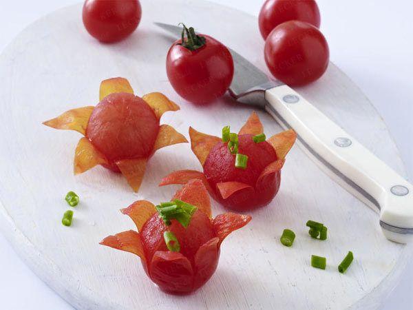 Gemüse schnitzen - Deko zum Vernaschen aus Tomaten, Möhren & Co. - tomaten-bluete0  Rezept
