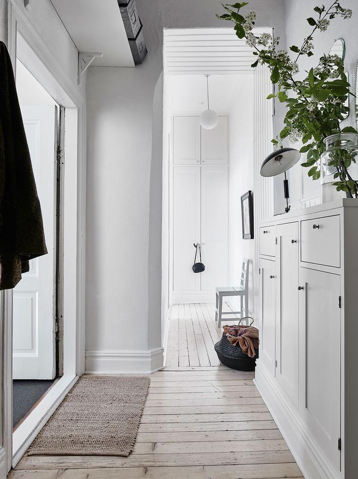 Bostadsrätt, Erik Dahlbergsgatan 8B i Göteborg - Entrance Fastighetsmäkleri