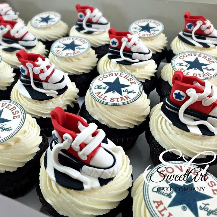 Converse Shoe Cupcakes - Make these black and gold and some with batman!