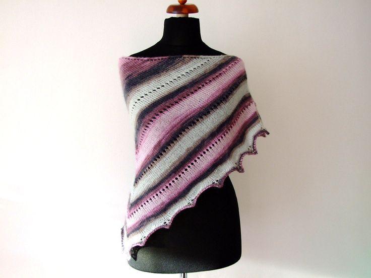 Scarf, shawl, warmkeeper:) http://etsy.me/2EK6Kzp #accessories #scarf #gray #pink #trianglescarf #handknitscarf #winterscarf #triangleshawl #etsy #etsyfinds #etsygifts #handmade #winterfashion #winter #musthave