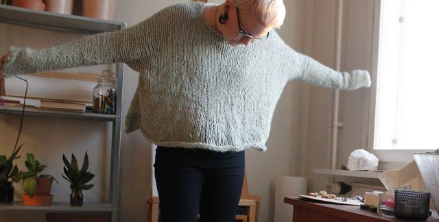 Martje:  Over a year ago I  did buy Novitas Utuinen - yarn and I made some not se good jumper from it. Now I am so excited about this easy way to make jumpers so I made one. It took  two and half or three yarn balls and I used 10mm knitting needles.
