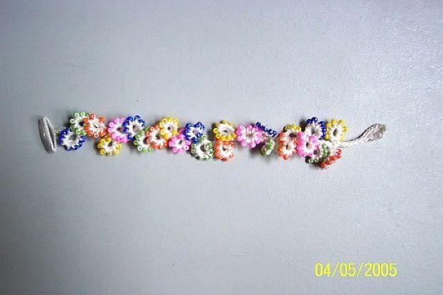 flower bracelet - cute.