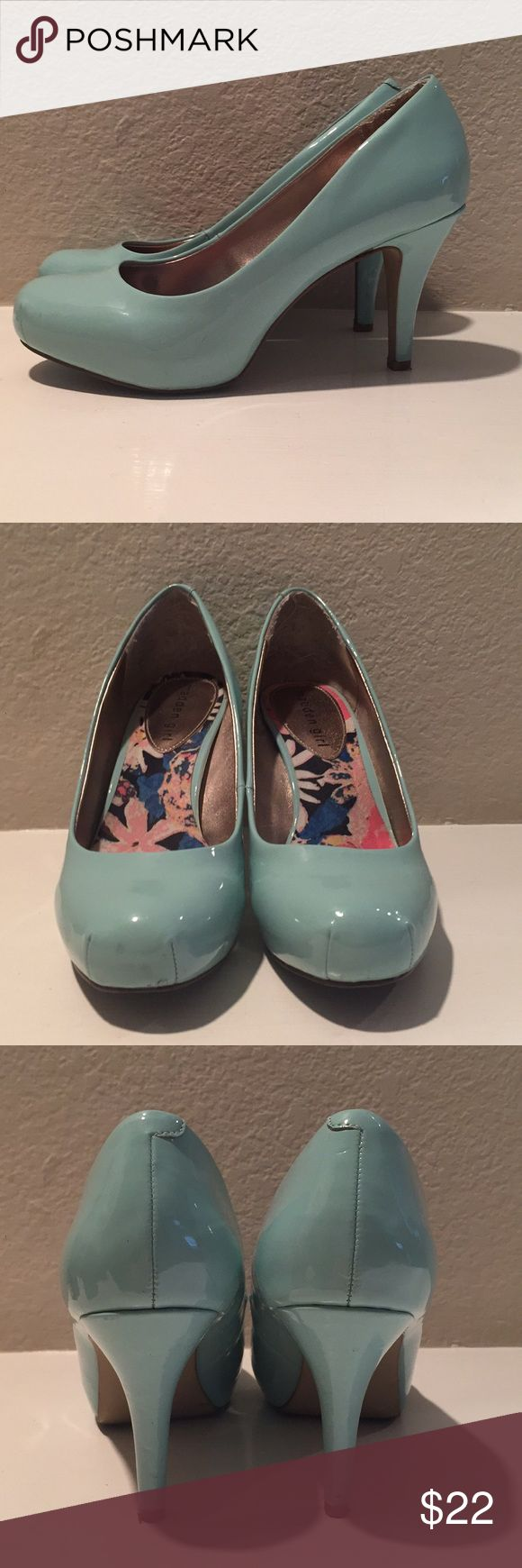 Steve Madden Mint Pumps Approximately 2.5 inch heels. In good condition, minor signs of use, but no damage. Steve Madden Shoes Heels