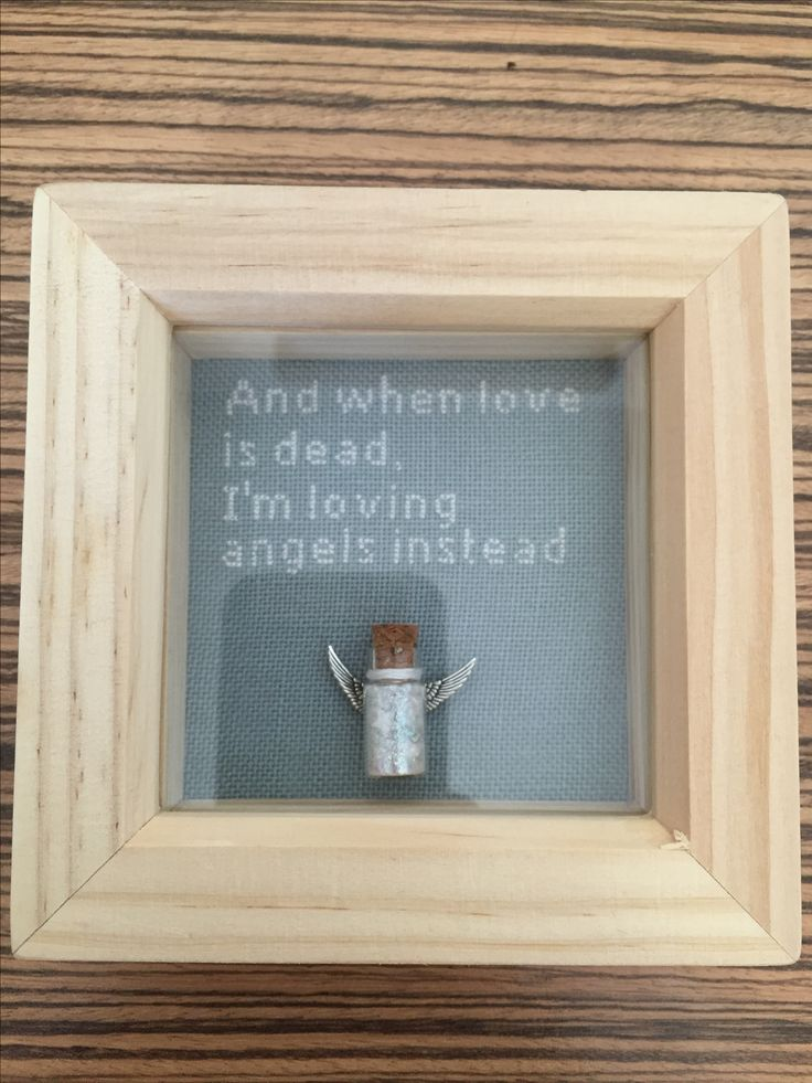 Robbie Williams, Angels lyrics memorial cross stitch for Manchester terror attack victims 2/6/17