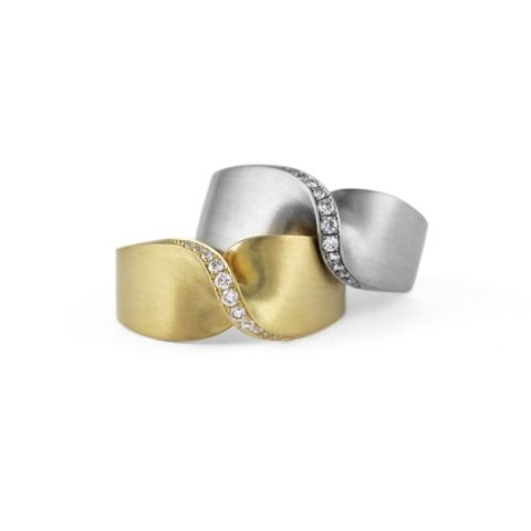 """Stylish 'Flat Twisted Rings' set with round brilliant cut diamonds. Available in silver (with champagne colour diamonds), 18ct yellow gold or white gold.Handmade by Irish designer Jessica PooleView more from <a title=""""Jessica Poole's Collection"""" href=""""http://www.stonechatjewellers.ie/product-category/jessica-poole"""">JESSICA POOLE </a>Need help with ring sizing? View our <a title=""""Ring Sizing"""" href=""""http://www.stonechatjewellers.ie/ring-sizing"""" target=""""_blank"""">SIZING GUIDE</a>"""