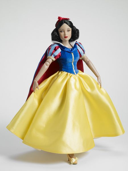 Snow White, from Disney's Snow White and the Seven Dwarfs. From Tonner Dolls.