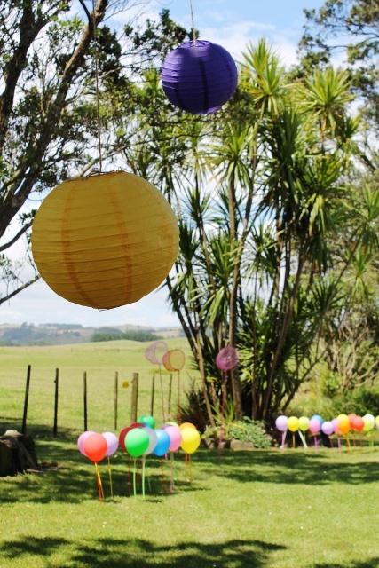 hungry caterpillar balloon gardens