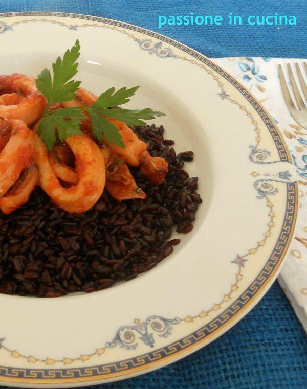 da Passione in Cucina un Primo per le vigilie di magro - Riso Venere con Calamari Piccanti - http://blog.giallozafferano.it/cuinalory/riso-venere-con-calamari-piccanti/