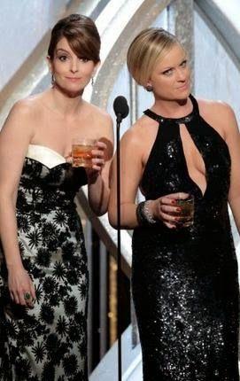 Эми Полер и Тина Фей обновили свои Золотой глобус Drinking Game