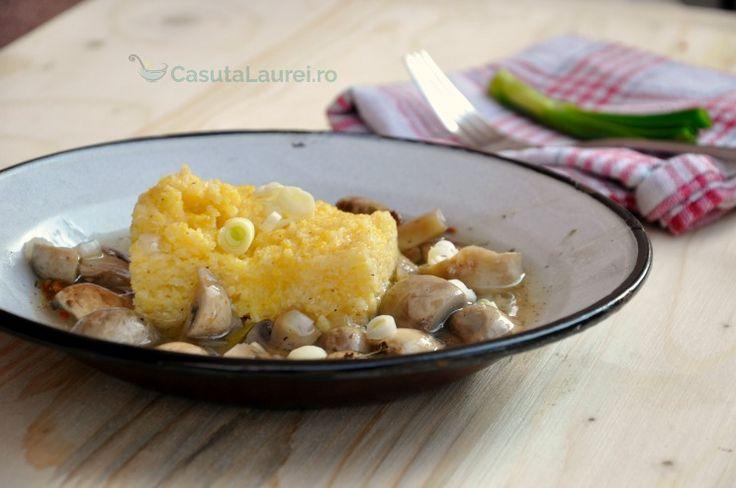 Ciuperci in stil chinezesc, o reteta simpla si exotica, gustoase si rapida, versatila, putand fi gatita atat cu carne cat si fara carne