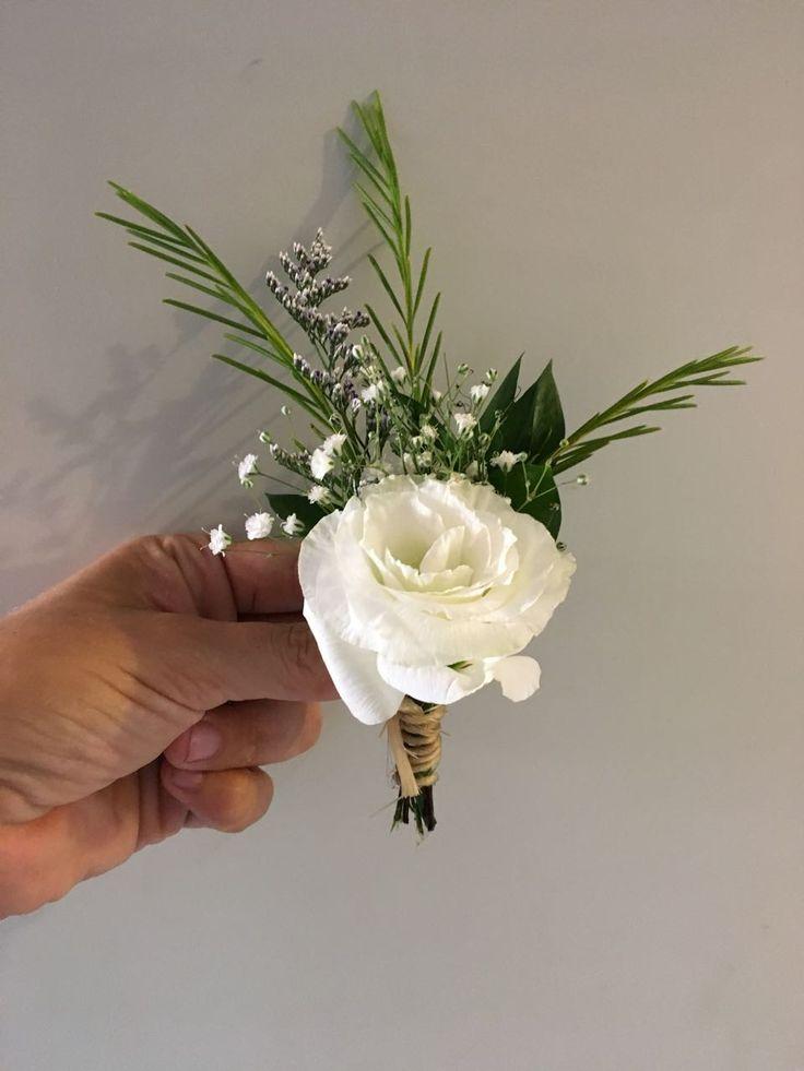 CBB250 wedding Riviera Maya white flower boutonnière/ flor blanca