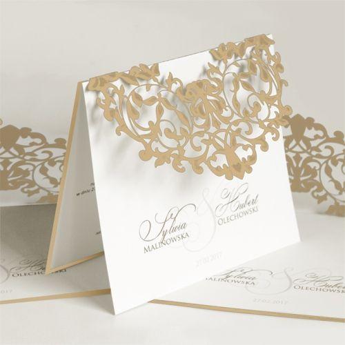 A meghívó kíváló minőségű matt bézsdekoratív papírból készül. A borítón fantáziadús lézerrel kivágott minta. A minták lakkal vannak díszítve. A betétlap fehér, matt felületű.A meghívóhoz dekoratív boríték jár.A meghívóknál nincs szerkesztésiés nyomtatási költség
