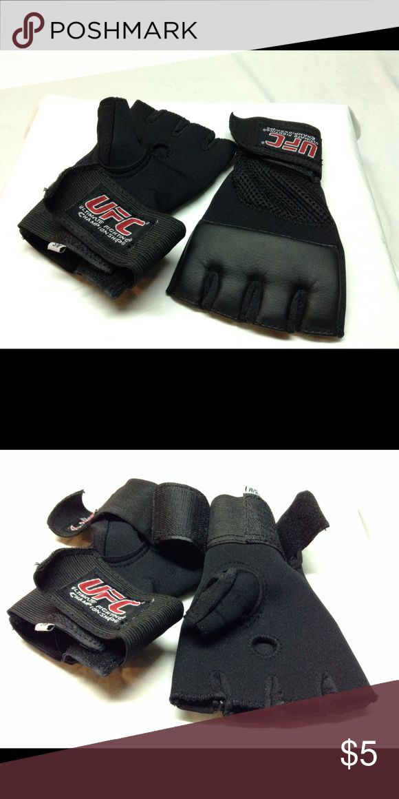 UFC half gloves Black half gloves use for kick boxing - ultimate Fighting Champonship Accessories Gloves & Mittens