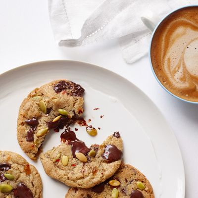 Sweet & Salty cookies...choc chips, pumpkin seeds, chili flakes?!!?  must try...