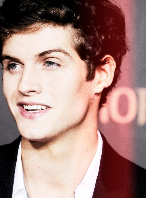 Teen Wolf + Isaac Lahey + Daniel Sharman. Too much perfection in one pic... I can't even....