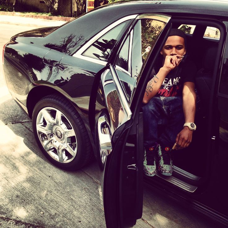 Lil Snupe's music is very descriptive and shows people a side of community that many arent familiar with.