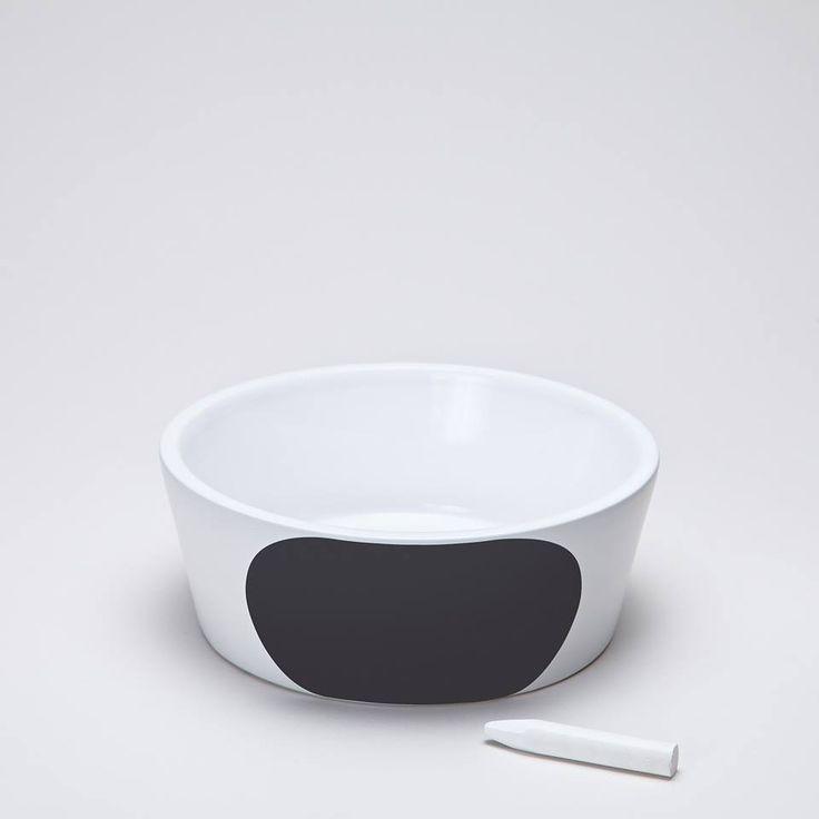 Middagen er servert! Dagens høydepunkt for en hund, blir nå enda mer attraktivt. Cloud7 sin samling av keramiske hundeskåler, er tidløs og moderne i design. Kritt inkludert!      www.romeojulie.no