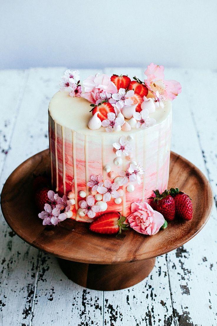Strawberry and vanilla bean sweetheart cake