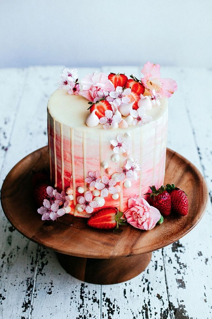 Strawberry and vanilla bean sweetheart cake