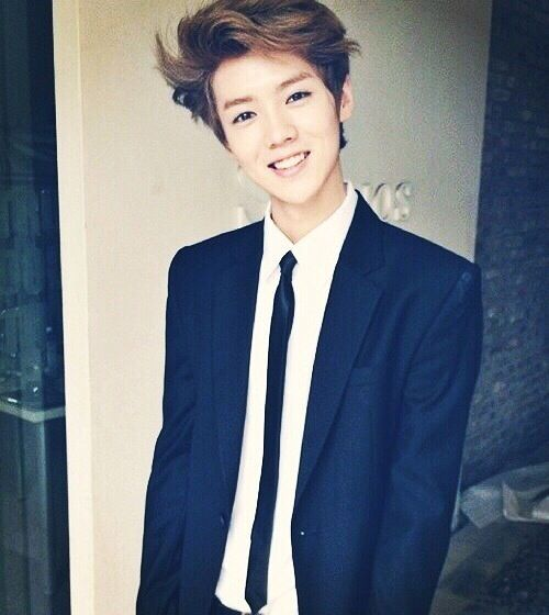 EXO - Luhan. rumor has it that Luhan is thinking about leaving exo..? not another Kris case please ! >.< <- oh I remember those days...
