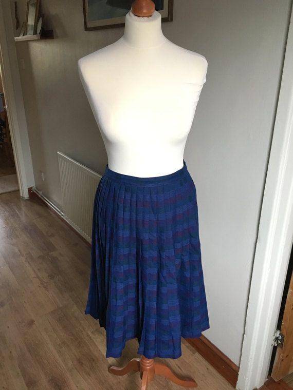 Vintage Blue Tartan pleated skirt  St Michael  Size 16