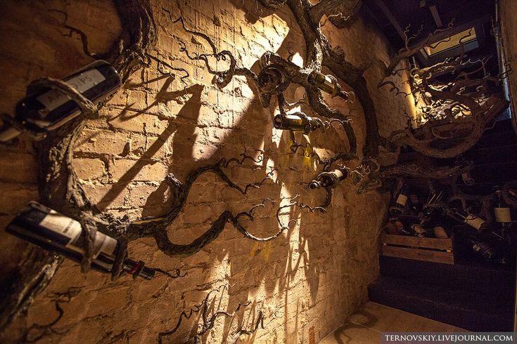 Элитный винный магазин Hedonism Wines в Лондоне