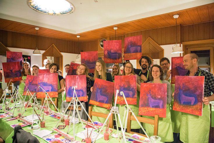 Ein wahnsinnig toller Abend mit unserem Künstler Franz im Gran Sasso. Super nette und lustige Gäste, mega Gaudi, tolle Bilder... Wahnsinnig schön zu sehen, wie immer mehr Leute Spaß an unseren Events finden.   #paintparty #malparty #malenlernen #paint #malen #ausgehen #kreativ #münchen #nürnberg #stuttgart #leutekennenlernen #neuinmünchen #artmasters #newinmunich #mädelsabend #gno #hirsch #deko #selbermachen #pizza #gemälde