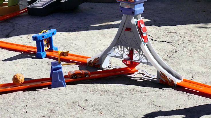 Hot Wheels Mega Track outside in the sun - Kid Toys Are Fun play with toys
