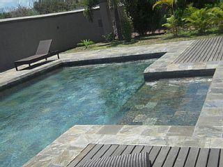 Grand+Baie-Mooi+landhuis+met+een+zwembad+en+bomen+++Vakantieverhuur in Pointe Aux Canonniers van @homeaway! #vacation #rental #travel #homeaway