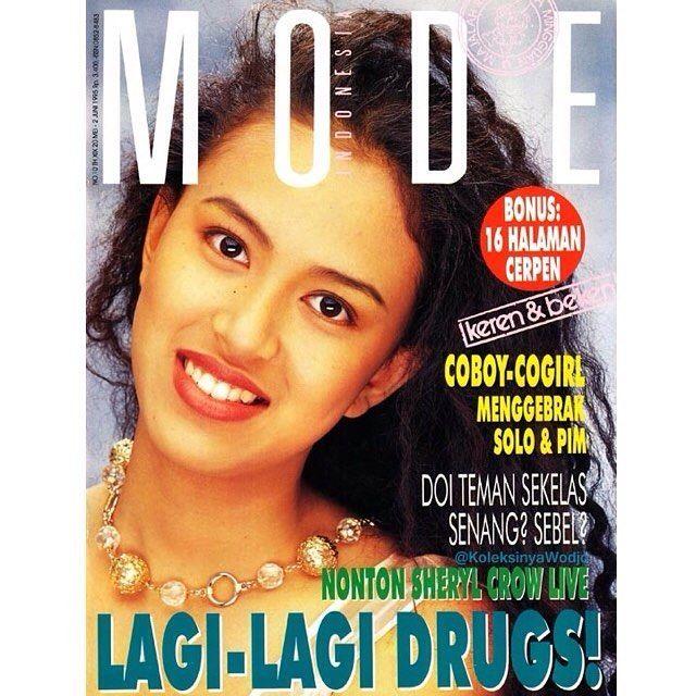 #Safira for #MajalahMode no.10/May 1995. Styled by #RARGK photo by #DarwisTriadi  #vintage #covergirl #cogirl1995 #model #magazinecover #sampul #majalah #90an #generasi90an