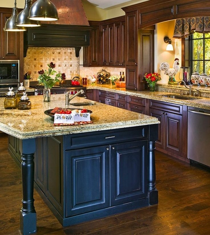 Best 25 country kitchens with islands ideas on pinterest for Country kitchen island designs