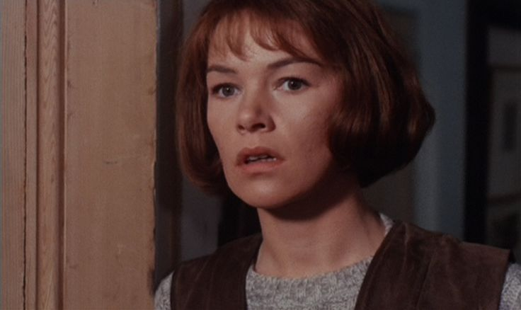 1971: Best Actress in a Leading Role - Glenda Jackson won for her performance as Alex Greville in Sunday, Bloody Sunday