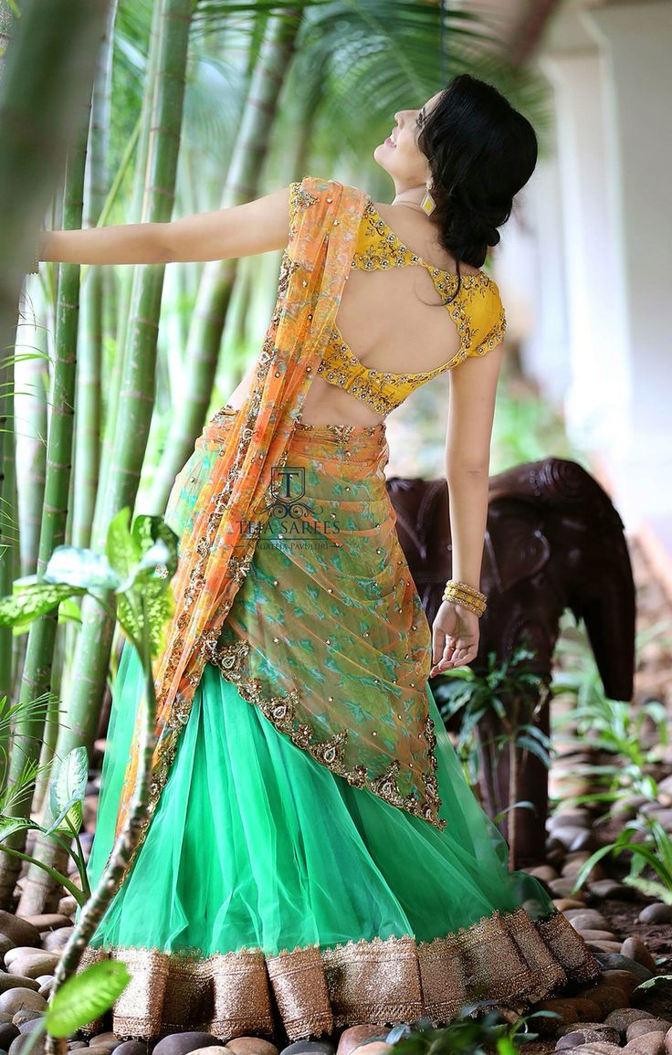 Oooh la la the next time I stitch a saree the back is gonna be like that!