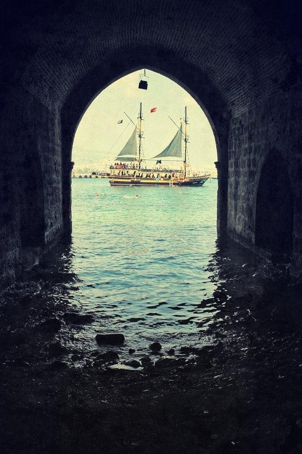 Alanya, Turkey. Must go sailing !