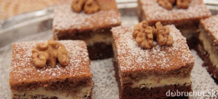Tvarohovo orechový koláč