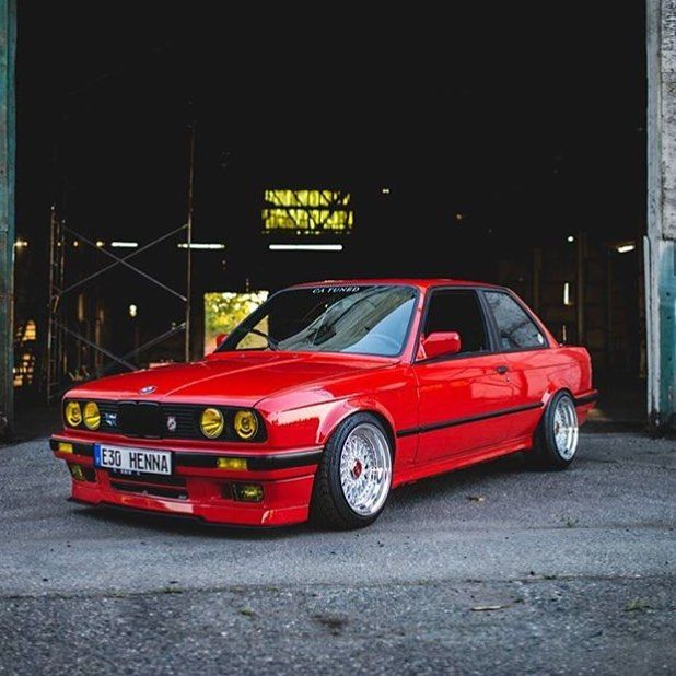 @bmw.sevgisi at it again. Keep sending us your photos. We are taking business inquiries so email us as well! Support us by buying an E30 shirt! Link in our bio. #bmwe30 #e30owners #e30life #automotiveadrenaline #bmw