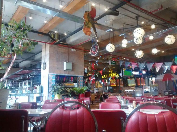 Restaurante La Plaza de Andrés, del Centro Comercial Santafé, en Bogotá.