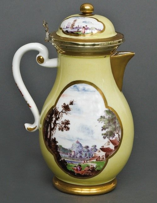 Wonderful porcelain coffee / chocolate pot...