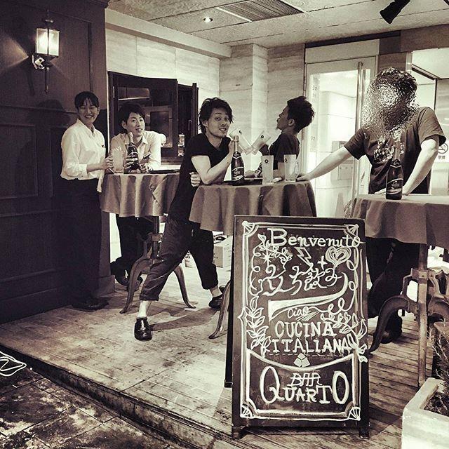 テラス席解禁!!!! 21時以降は立ち飲みとしてもご利用可能に!! (時間変更する可能性あり)  新宿の野外で飲めるチャンス🎵  是非ご利用ください!! 美味しいワインやビール、おつまみもございます!!! 撮影 ‐ 中川さん  #4月#4月2日 #クアルト西新宿 #クアルト4 #トラットリアクアルト #新宿 #西新宿 #tokyo #イタリアン #ディナー #パスタ #肉 #魚 #スープ#コスパ #ボリューム満点 #shinjuku #nishishinjuku #italian #italianfood #pasta #飲み会 #宴会 #女子会 #合コン #二次会 #ビール #ワイン #wine #立ち飲み