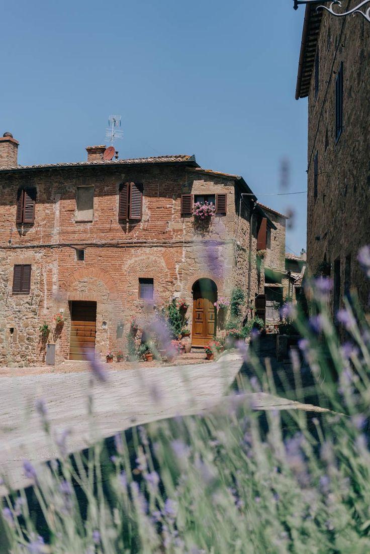 Ich übertreibe nicht, wenn ich sage, dass ich mich in die Toskana verliebt habe. Ich kenne inzwischen wirklich viele Ecken Italien und die Toskana ist eine ganz besondere davon. Ohne jetzt aber um den heißen Brei reden zu wollen, gibt es heute einen kleinen Guide zu unserer Route, Unterkünften und weitere Tipps. Die Route Begonnen Read More
