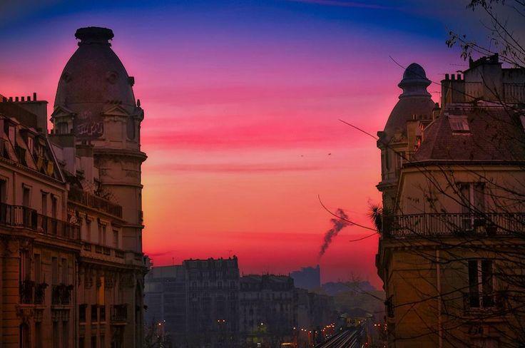 Paris at Sunset #paris #city #racing  #sunrise #light #sunset #silhouette  #sun #dream #summer #autumn  #holiday  #vacancy #viaggiare #sunset  #nikon  #nikond90 #nikonitalia #twitter