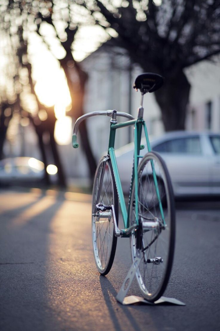 ★ Fixed Gear Bike Blog and Gallery ★ #UrbanStyle #bike #FixedGearBike