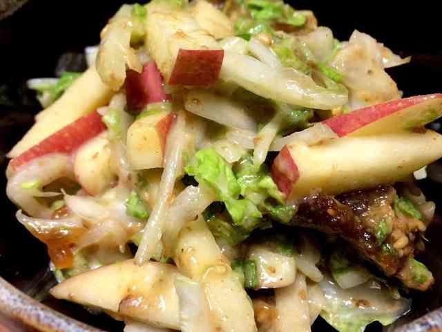 干し柿とりんごと白菜のサラダの画像
