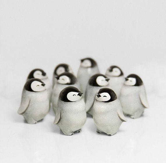 Bébé pingouin Figurine animaux Totem OOAK par RamalamaCreatures