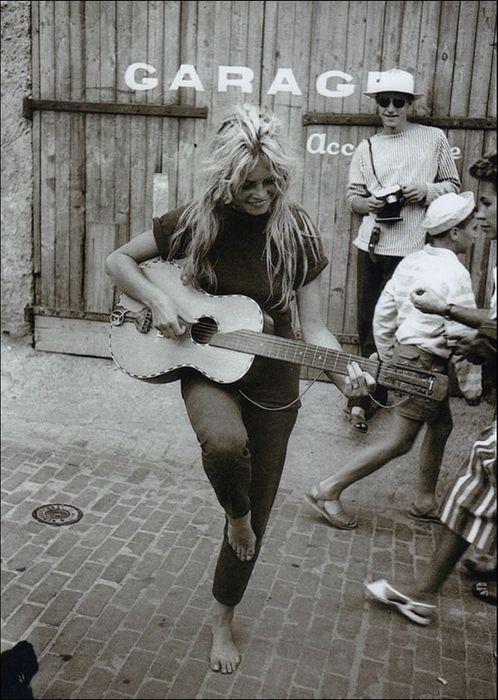 Willy Rizzo (1928-2013) - Brigitte Bardot - Saint-Tropez - 1958 - Catawiki