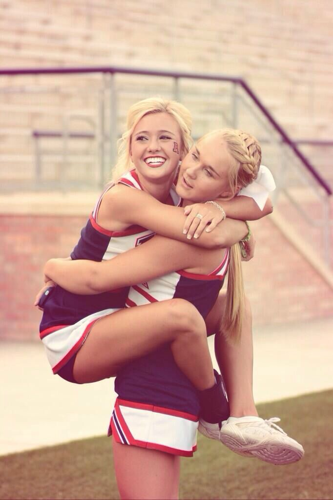 Senior cheer pics with Bestfriend idea even though I'm only a junior
